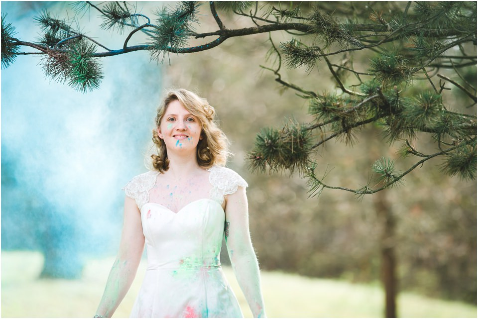 Trash-The-Dress-after-wedding-holi-color-shooting-heidelberg-schwetzingen-herr-knebel-fotografie 3